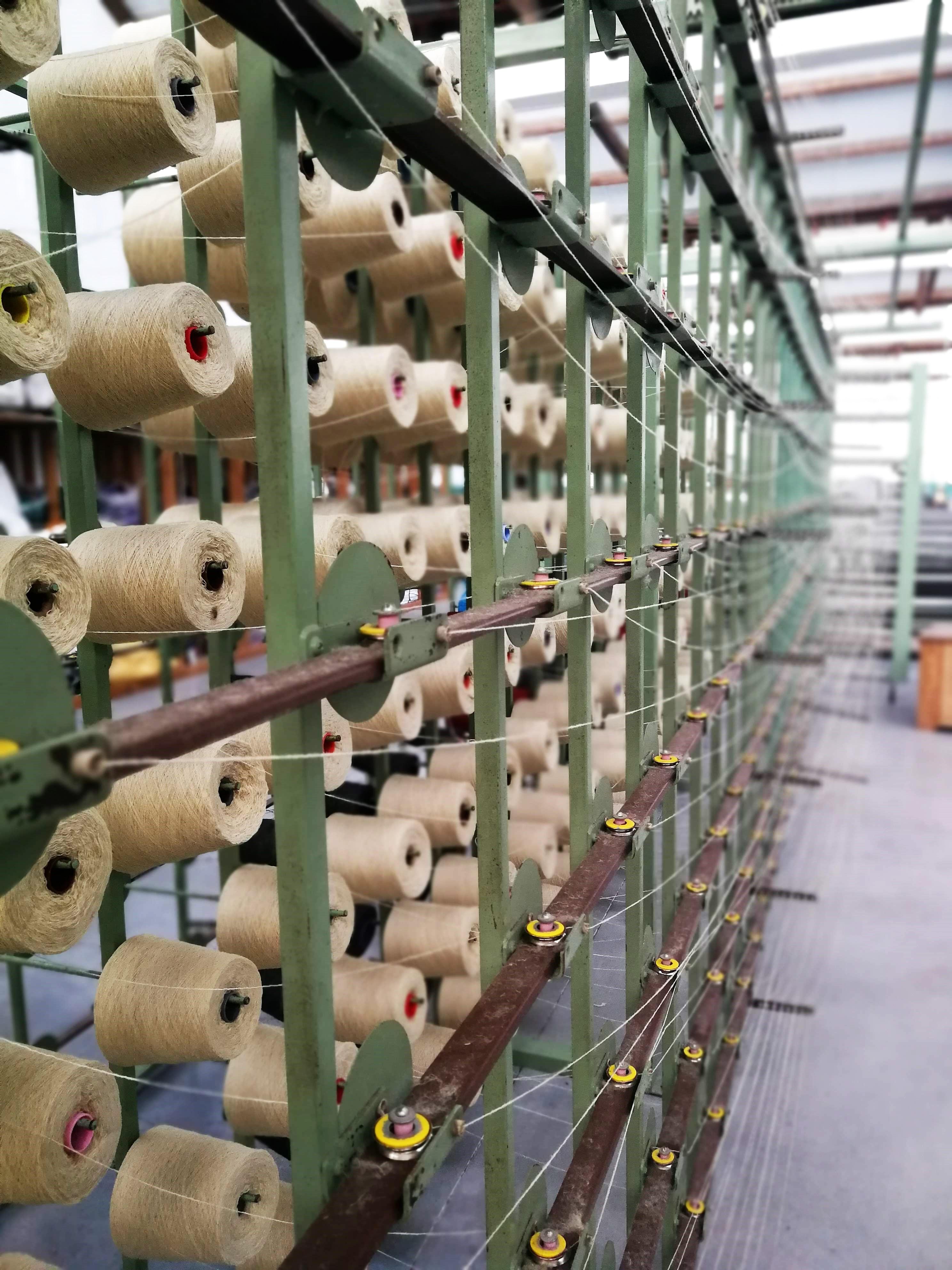 Burel Factory: Tecer o presente com os fios do passado homy